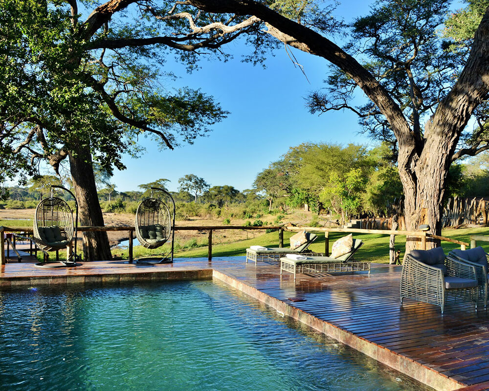 botswana-family-safari-kadizora-pool-2