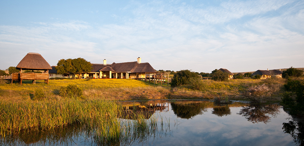 main lodge at hlosi game lodge