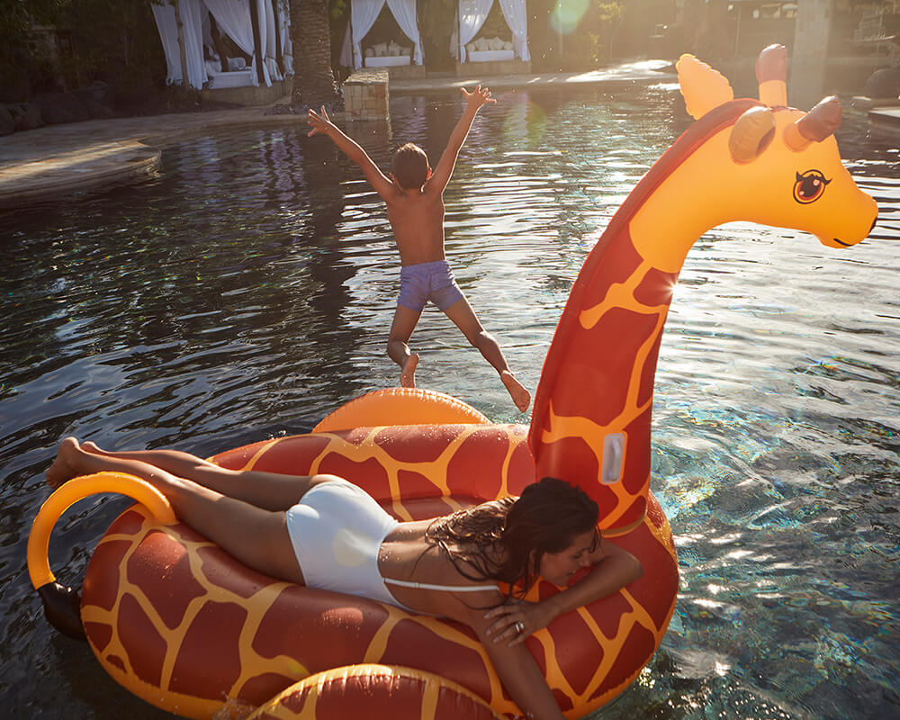 family-safari-one-and-only-pool