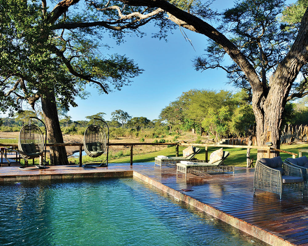 chobe-safari-elephant-valley-lodge-pool