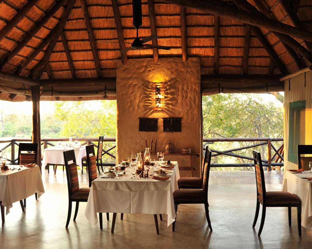 Lukimbi-safari-lodge-dining-room