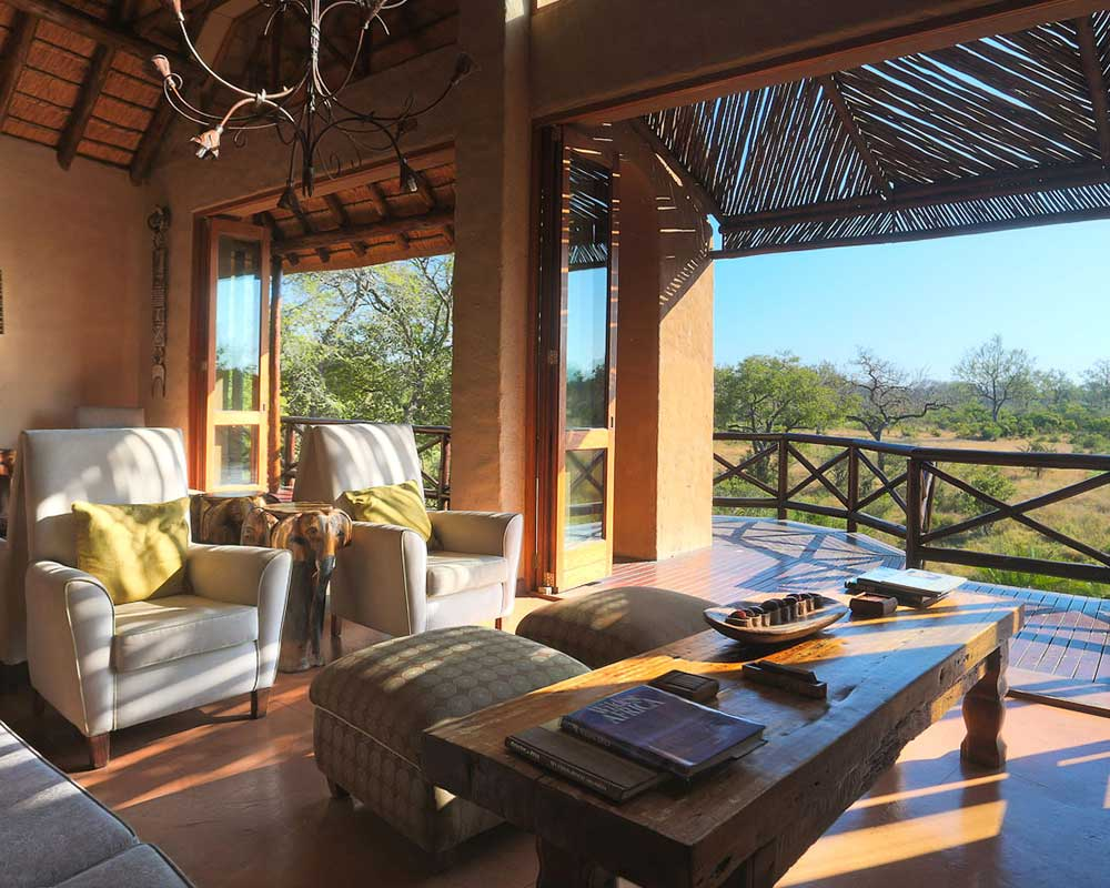 lukimbi-safari-lodge-lounge